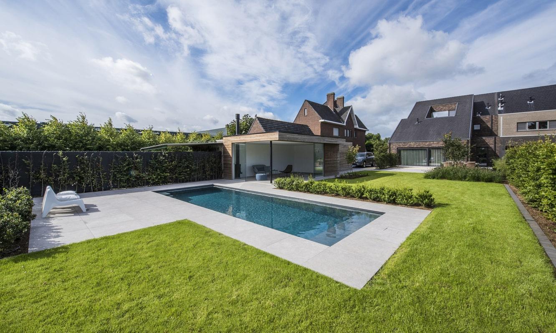 Realisatie zwembadaanleg te Bree Limburg