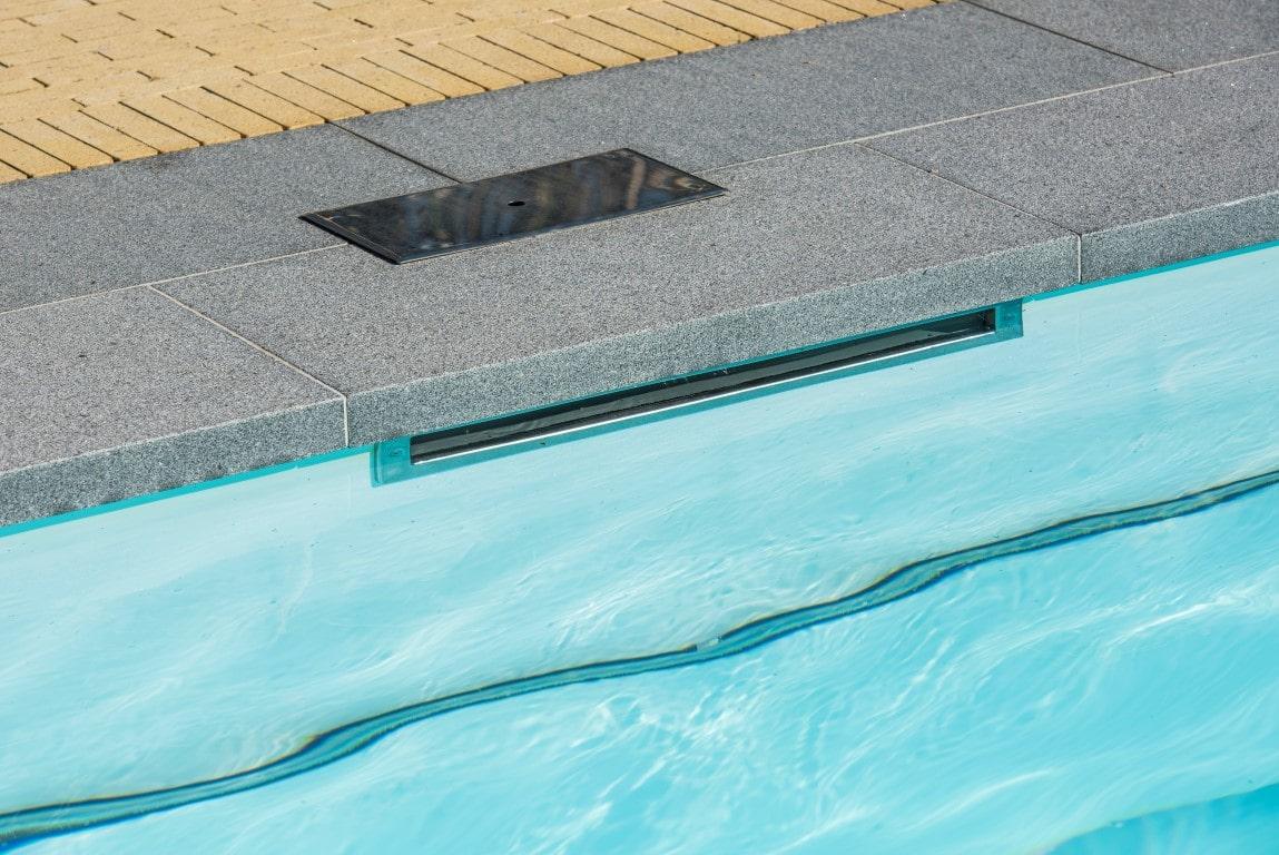 Realisatie zwembadaanleg te Tongeren Afmetingen 3m80 x 10m50.